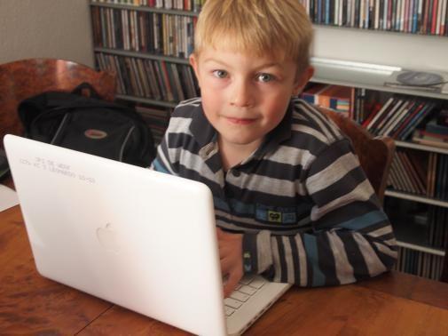kinderen-steeds-jonger-en-vaker-bezig-met-internet-copyright-trotse-vaders-3