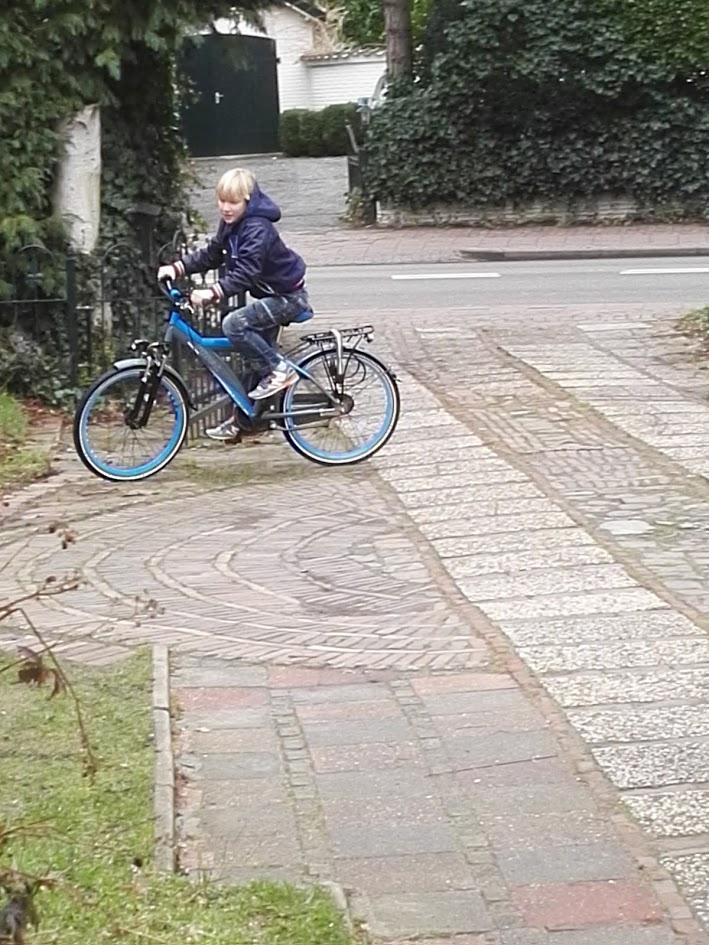 fiets-helm-online-bestellen-foto-copyright-trotse-vaders-2