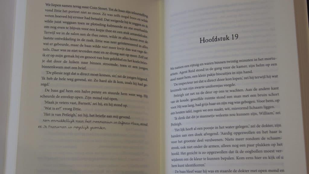 Arrowood, geschreven door Mick Finlay, uitgegeven door HarperCollins